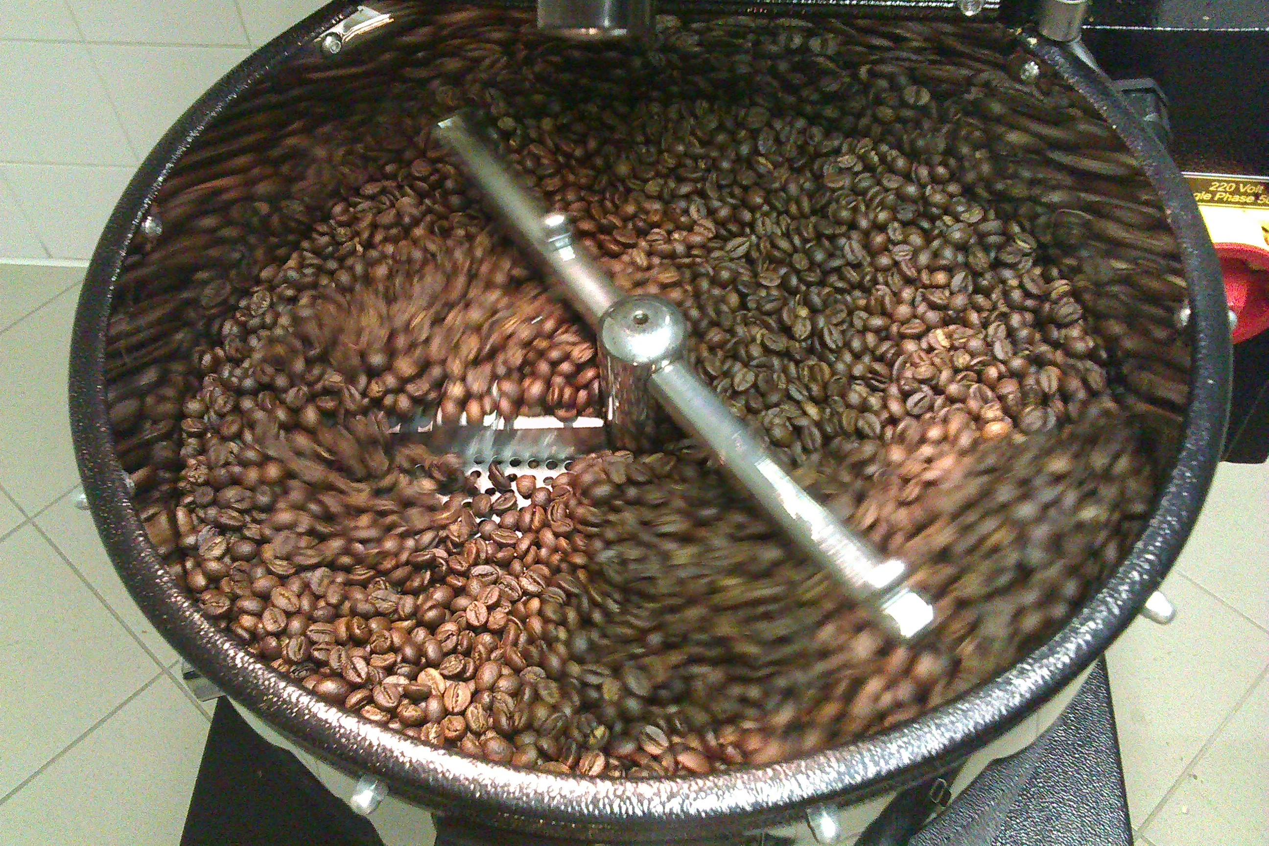 první napražená káva